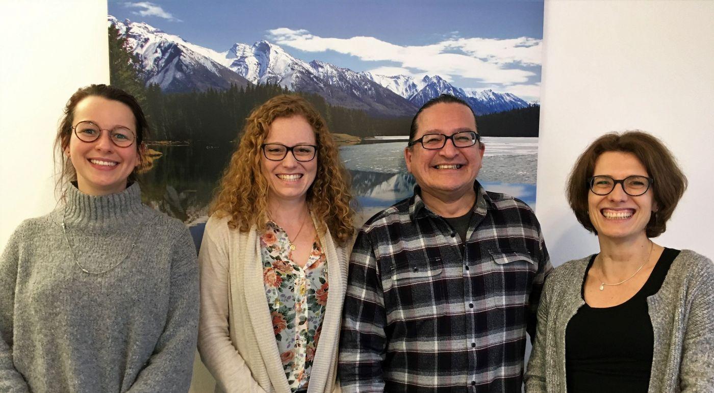 Foto von Mitarbeiterinnen der LZG und Dr. Mujica