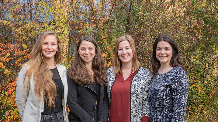 Foto der vier neuen Mitarbeiterinnen