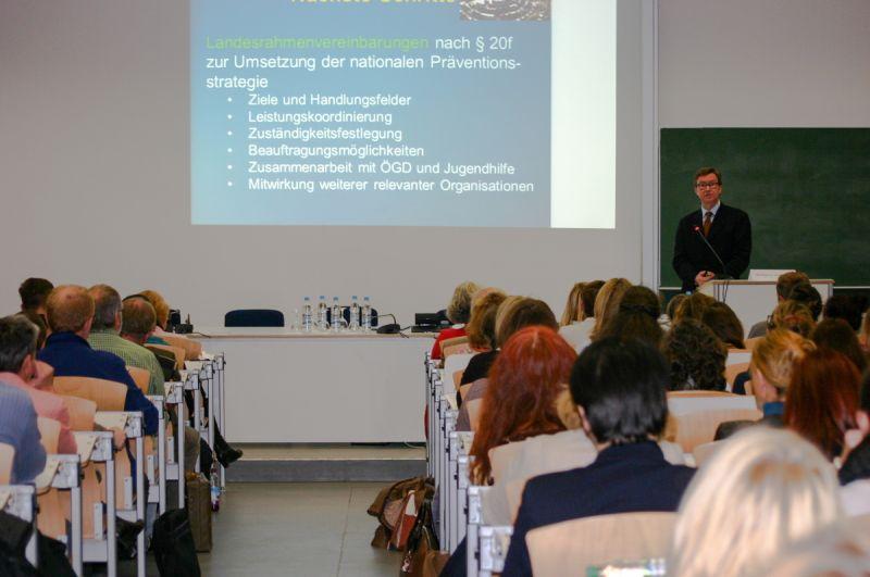 Vortragssaal mit Teilnehmern der Fachtagung